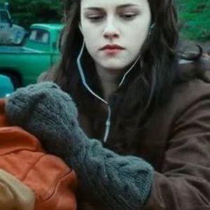 "Accessories - Real RUTH CROSS ""Bella Swan"" Mittens"